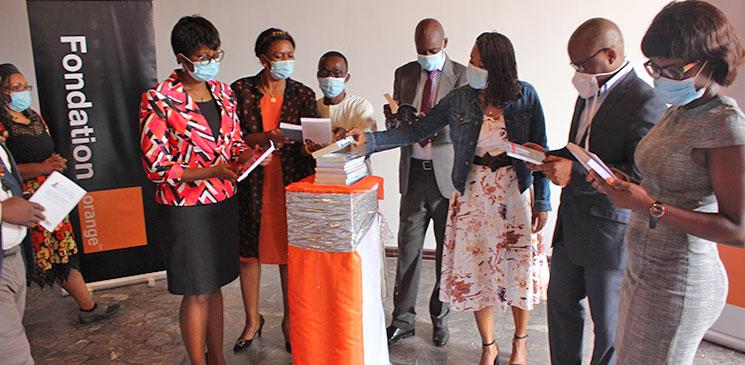 Rencontre avec les 5 comités de lecture du Prix Orange du Livre en Afrique