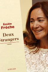 """Emilie Frèche, lauréate du Prix Orange du Livre 2013 pour son roman """"Deux étrangers"""""""