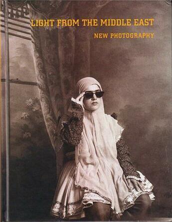 Couverture du livre « Light from the middle east new photography » de Weiss aux éditions Steidl