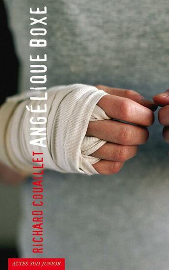 Couverture du livre « Angélique boxe » de Richard Couaillet aux éditions Actes Sud Junior