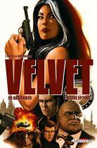 Couverture du livre « Velvet T.1 ; avant le crépuscule » de Ed Brubaker et Elizabeth Breitweiser et Steve Epting aux éditions Delcourt
