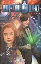 Couverture du livre « Doctor Who T.7 ; l'éventreur » de Collectif et Tony Lee aux éditions French Eyes
