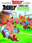 Couverture du livre « Astérix t.8 ; Astérix chez les bretons » de Rene Goscinny et Albert Uderzo aux éditions Hachette