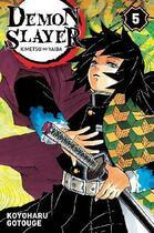 Couverture du livre « Demon slayer T.5 » de Koyoharu Gotoge aux éditions Panini