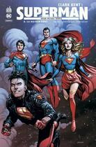 Couverture du livre « Clark Kent : Superman T.6 ; la maison Kent » de Collectif et John Jr. Romita et Brian Michael Bendis aux éditions Urban Comics