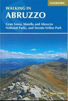 Couverture du livre « Walking in abruzzo » de Haines aux éditions Cicerone Press