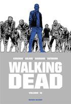 Couverture du livre « Walking dead ; INTEGRALE VOL.16 ; T.31 ET T.32 » de Charlie Adlard et Robert Kirkman et Stefano Gaudiano aux éditions Delcourt