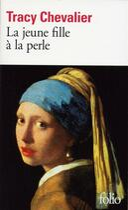 Couverture du livre « La jeune fille à la perle » de Tracy Chevalier aux éditions Gallimard